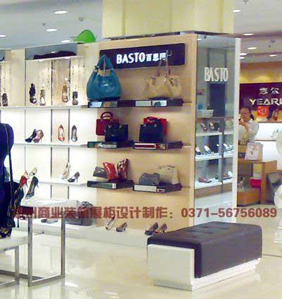 玻璃不锈钢镜面鞋店展柜制作设计精美实景图欣赏 郑州展柜